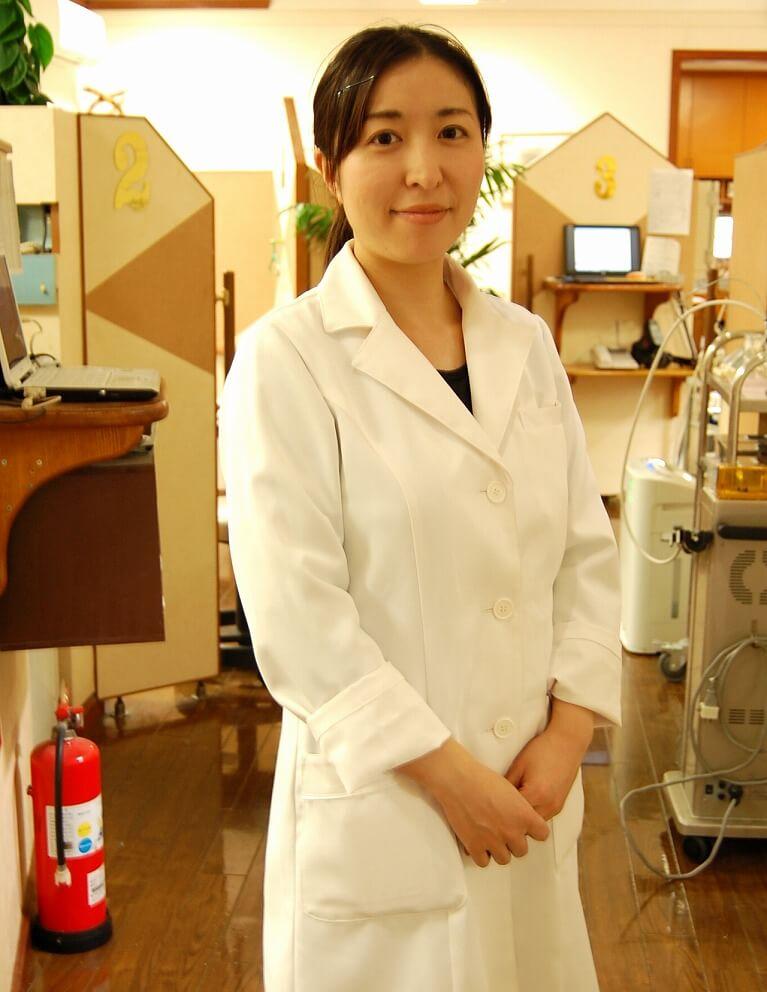 矯正歯科医 熊野 千恵
